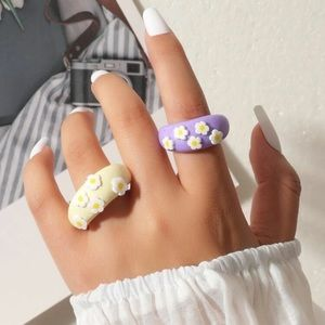 2 pc Pastel Daisy Rings 3D Flowers Fimo Clay